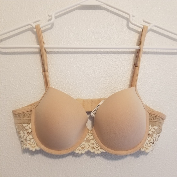 Wacoal Other - Wacoal Embrace Lace Nude/Cream Bra Size 32A